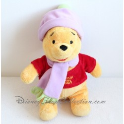 Peluche Winnie l'ourson DISNEY NICOTOY bonnet écharpe violet 30 cm