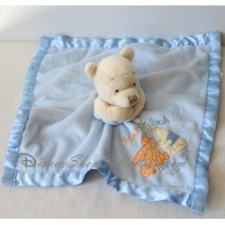 Doudou plat Winnie l'ourson DISNEY STORE Hugs and Squeezes bords satin bleu
