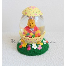 Snowglobe Winnie l'ourson DISNEY coquille d'oeuf boule à neige
