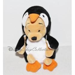 Peluche Winnie l'ourson DISNEY STORE Pingouin blanc et noir 16 cm