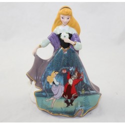 Porcelain Figure Aurora DISNEY Bradford Editions Bell The Peasant Sleeping Beauty