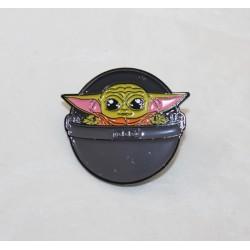 Pin's bébé Yoda DISNEY Star War The Mandalorian vaisseau