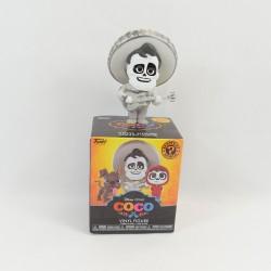 Figura Mistero minis Ernesto de la Cruz FUNKO POP DISNEY Coco Bianco
