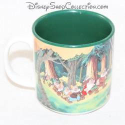 Mug scène DISNEY Blanche Neige et les 7 nains vert 9 cm