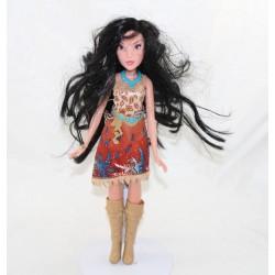 Poupée mannequin Pocahontas DISNEY HASBRO Indienne 29 cm