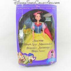 Muñeca blancanieves DISNEY...