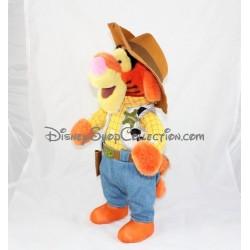 Peluche Tigrou DISNEYLAND PARIS déguisé en Woody cowboy 45 cm