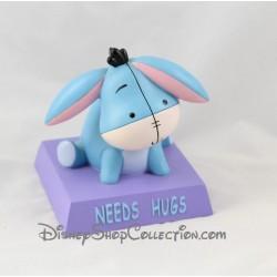 Statuette en résine Bourriquet DISNEY Needs Hugs figurine bleu 11 cm