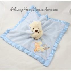 Doudou plat Winnie l'ourson DISNEY STORE Friends are for hugging ! bords satin bleu