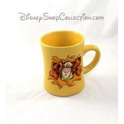 Mug en relief Tigrou DISNEY STORE tasse jaune en céramique 3D