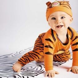 conjunto 3 piezas DISNEY bebé Tigger cuerpo + polainas + gorra Kiabi 3 meses