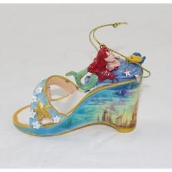 El ornamento de Little Mermaid Ariel DISNEY una vez sobre un deslizador del zapato
