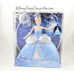 Poupée princesse Cendrillon DISNEY MATTEL Holiday Princess 2012 Cinderella