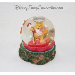 9 cm snow globe SnowGlobe Pooh DISNEY STORE red returned umbrella