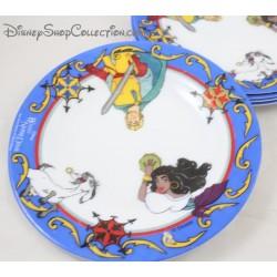 Assiette Le Bossu de Notre Dame DISNEY ARCOPAL Esmeralda Djali Phoebus céramique