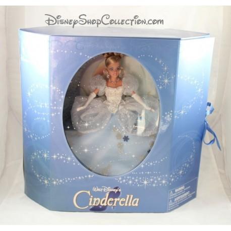 Cinderella DISNEY STORE Cinderella Princess doll