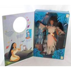 Muñeca Pocahontas DISNEY MATTEL pluma en la edición especial de viento