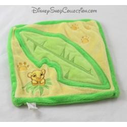 Doudou flat lion Simba DISNEYLAND PARIS green leaf rattle Disney The Lion King