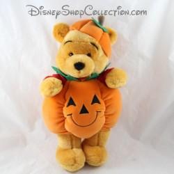 Peluche Winnie l'ourson DISNEYLAND PARIS déguisé en citrouille Halloween Disney 35 cm